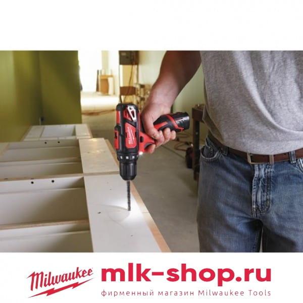 Аккумуляторная дрель-шуруповерт Milwaukee M12 BDD-201C