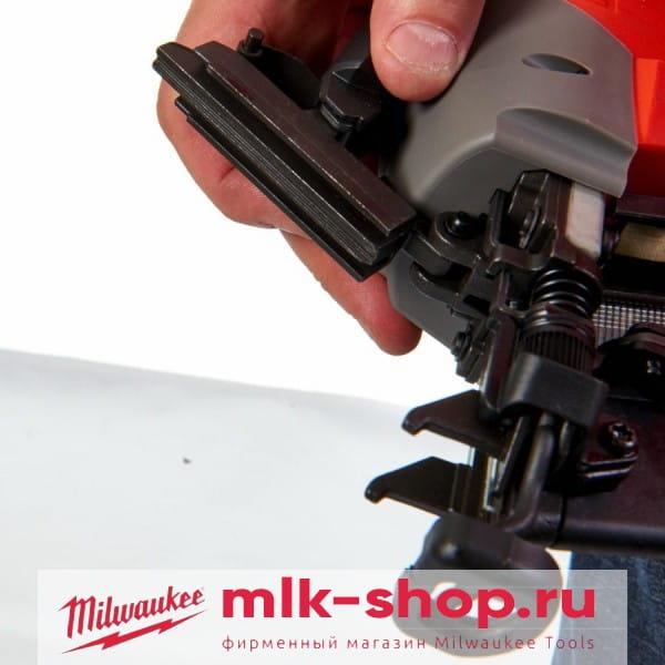 Аккумуляторный гвоздезабиватель с наклонным магазином Milwaukee M18 FUEL CN16GA-0