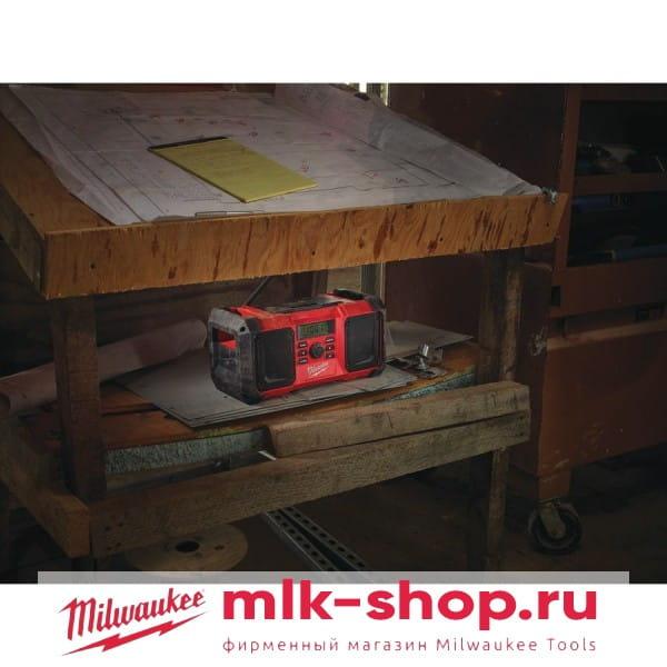 Аккумуляторное радио Milwaukee M18 JSR-0