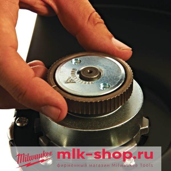 Угловая шлифовальная машина (УШМ, Болгарка) Milwaukee AGVM 26-230 GEX