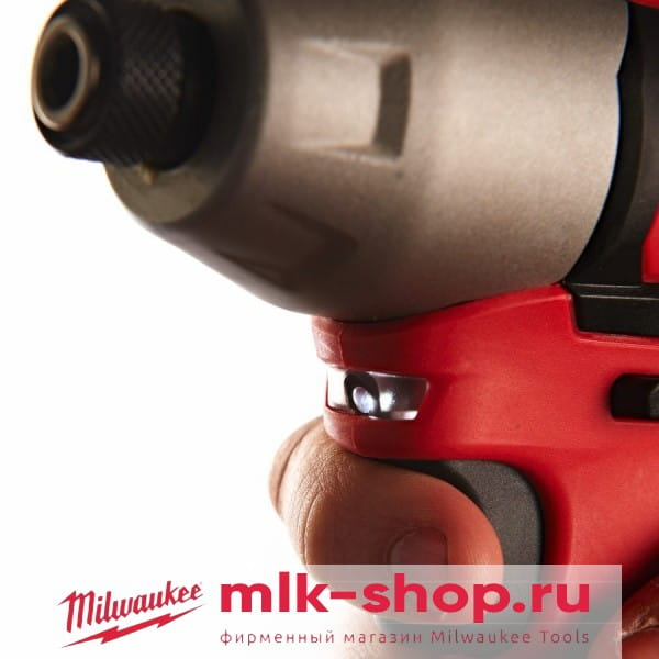 Аккумуляторный импульсный винтоверт Milwaukee M12 BID-202C