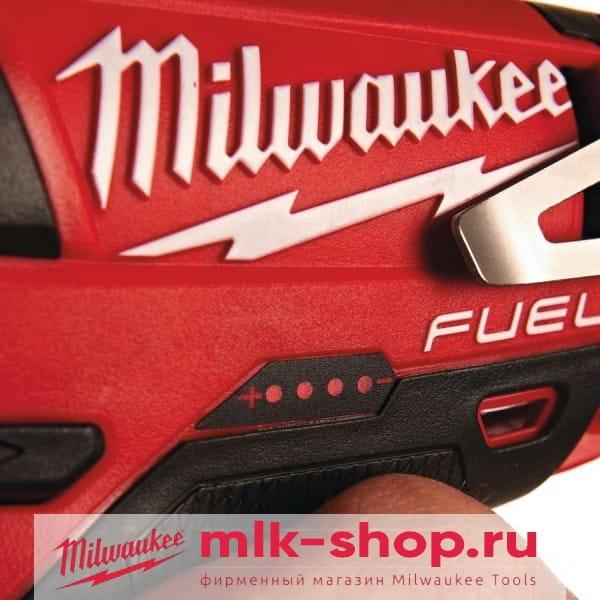 Аккумуляторный импульсный гайковерт Milwaukee M12 FUEL CIW38-202C