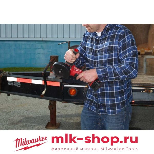 Аккумуляторная угловая шлифовальная машина (УШМ, Болгарка) Milwaukee М18 FUEL CAG125XPD-402C