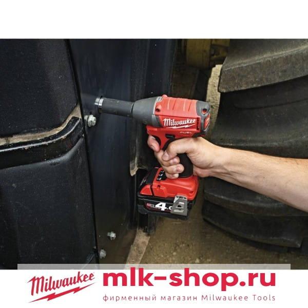 Аккумуляторный импульсный гайковерт Milwaukee M18 FUEL CIW 12-0