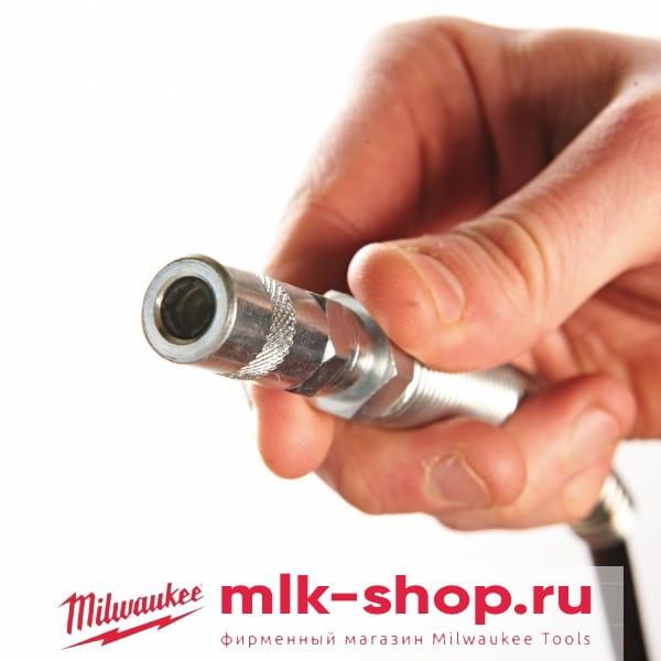 Аккумуляторный шприц для смазки Milwaukee M18 GG-0
