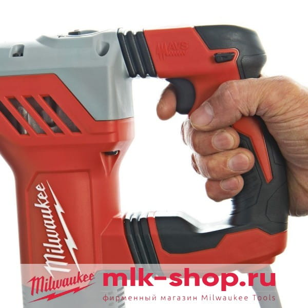 Перфоратор Milwaukee PLH 28 E