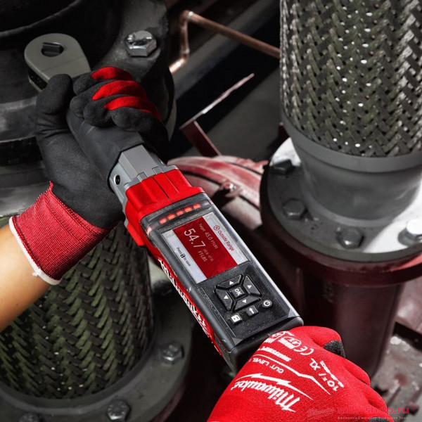 Аккумуляторный электронный динамометрический ключ Milwaukee M12 FUEL ONEFTR38-201C ONE-KEY