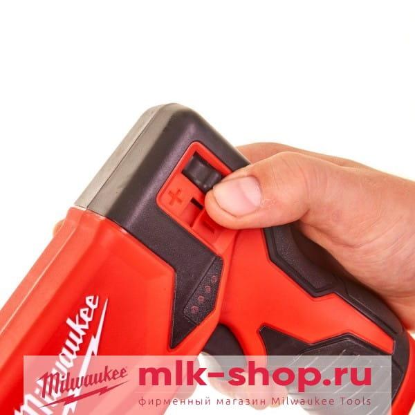 Аккумуляторный степлер Milwaukee M12 BST-0